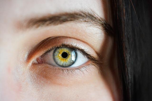 eye-2340806_640